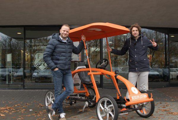 Pascal Verheugd en Tijs Koedam voor de Op De Fiets Met.. fiets